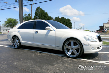 Mercedes S-Class with 22in Forgiato Barra Wheels