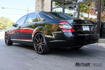 Mercedes S-Class with 22in Lexani CSS8 Wheels