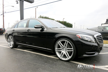 Mercedes S-Class with 22in Lexani M106 Wheels