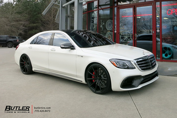 Mercedes S-Class with 22in Lexani M108 Wheels