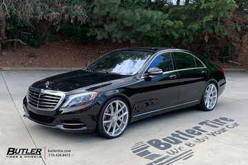 Mercedes S-Class with 22in Lexani Stuttgart Wheels