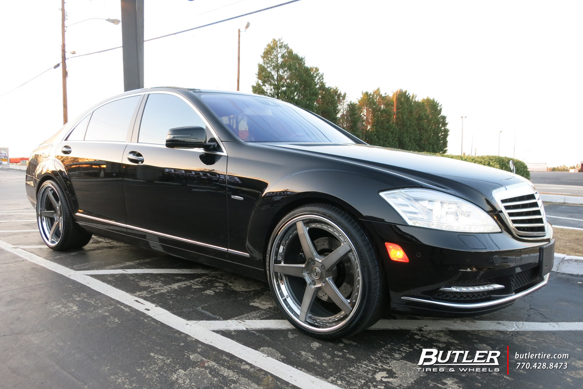 Mercedes S-Class with 22in Savini BM11-L Wheels