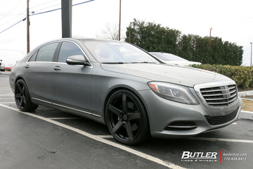Mercedes S-Class with 22in Savini BM11M Wheels