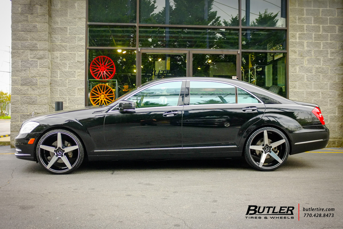 Mercedes S-Class with 22in Savini BM11 Wheels