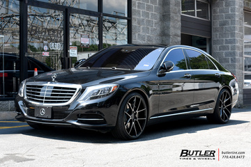 Mercedes S-Class with 22in Savini BM14 Wheels