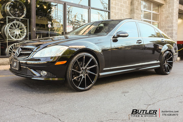 Mercedes S-Class with 22in Savini BM15 Wheels