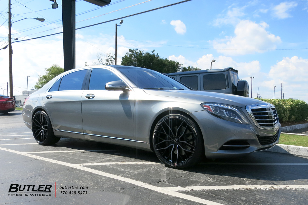 Mercedes S-Class with 22in Savini SV-F2 Wheels