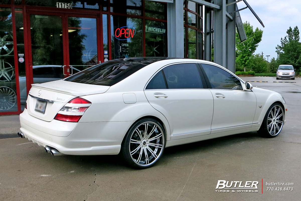 Mercedes S-Class with 22in Savini SV44 Wheels
