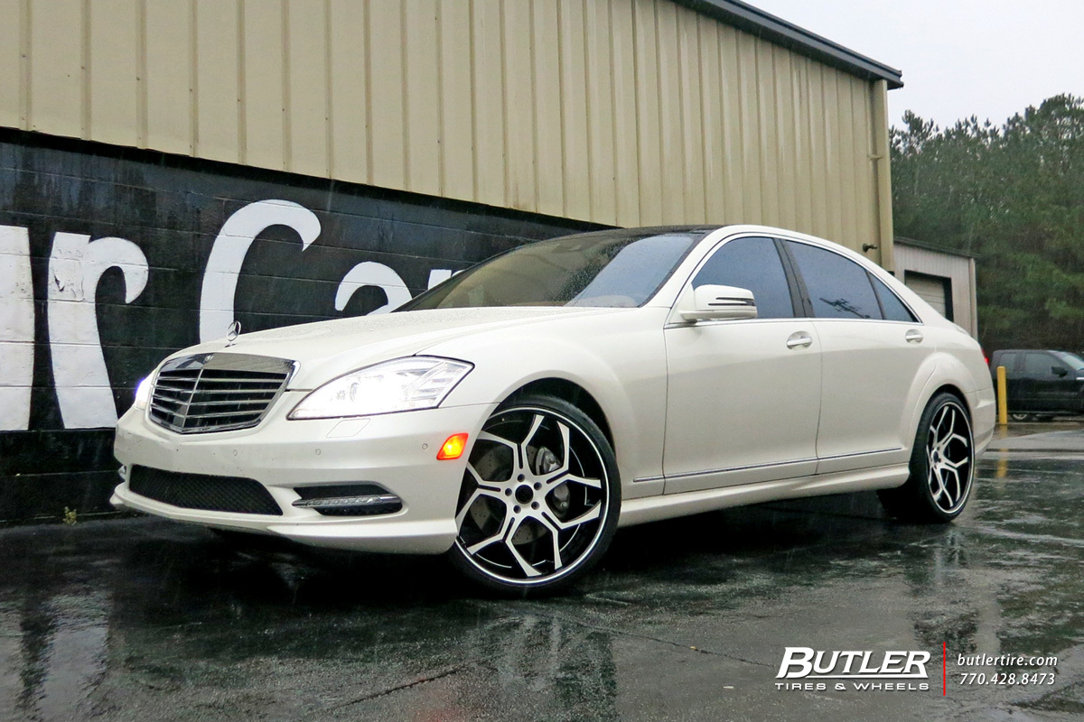 Mercedes S-Class with 22in Savini SV53 Wheels