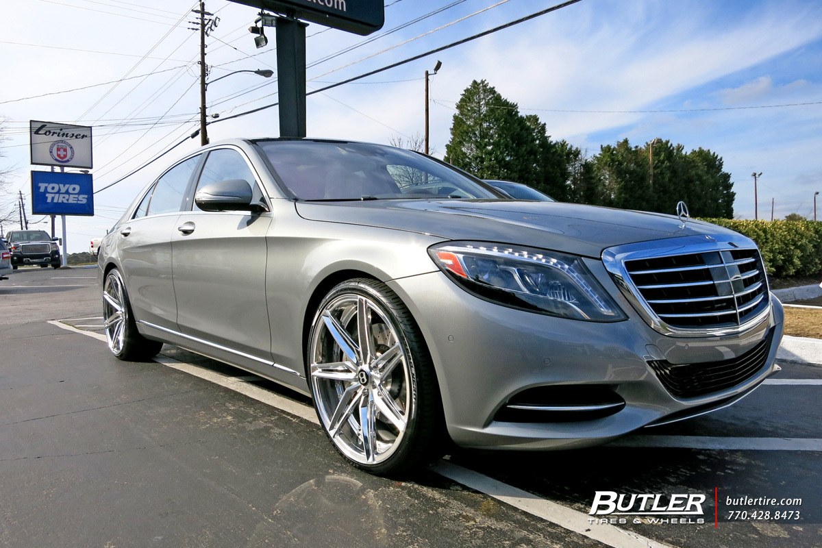 Mercedes S-Class with 22in Savini SV58d Wheels