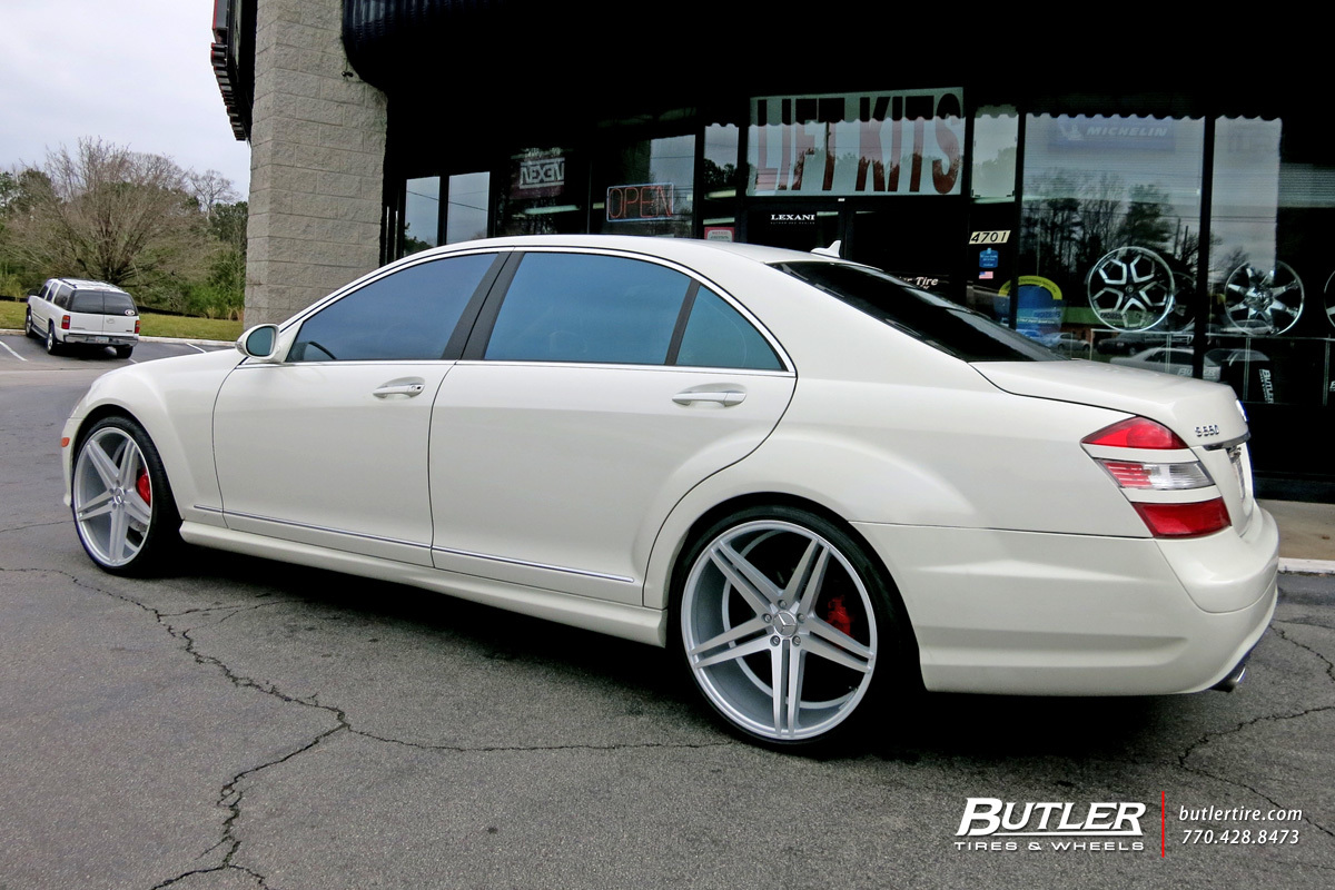 Mercedes S-Class with 22in Verde Parallax Wheels