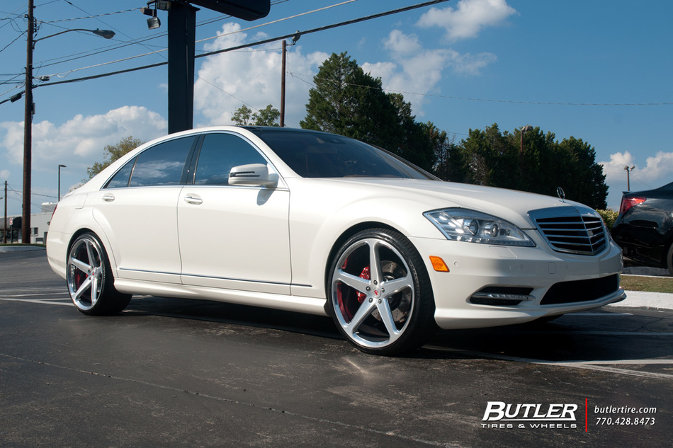 Mercedes s class with 22in vossen cg 201 wheels for Mercedes benz tire inflator