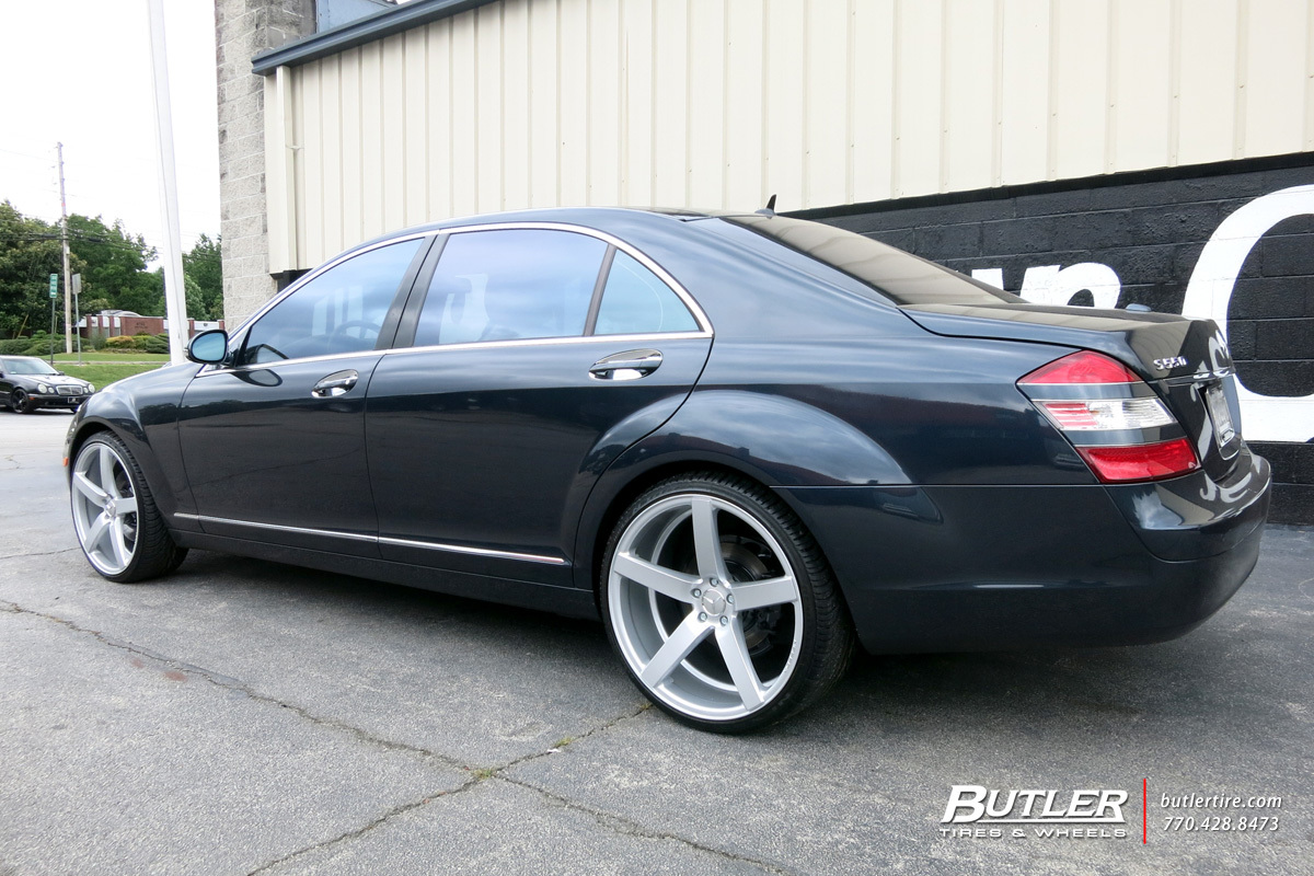 Mercedes S-Class with 22in Vossen CV3-R Wheels