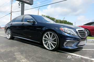 Mercedes S-Class with 22in Vossen CVT Wheels