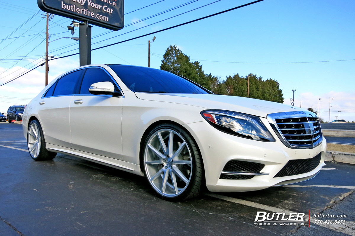 Mercedes S-Class with 22in Vossen VFS1 Wheels