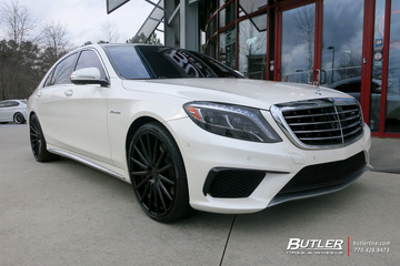 Mercedes S-Class with 22in Vossen VFS2 Wheels