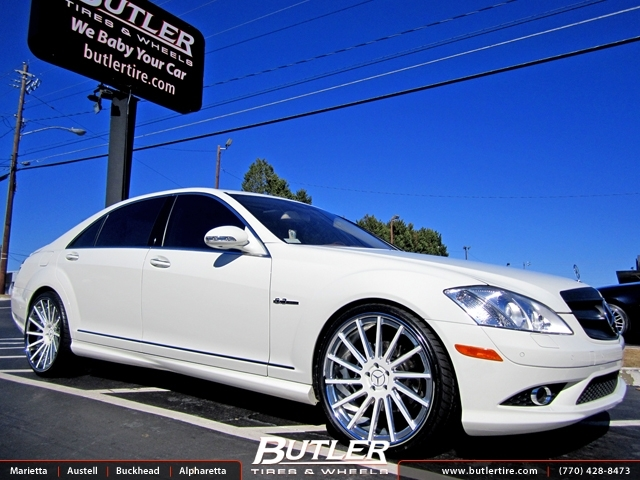 Mercedes S-Class with 22in Dub 1 4Teen Wheels