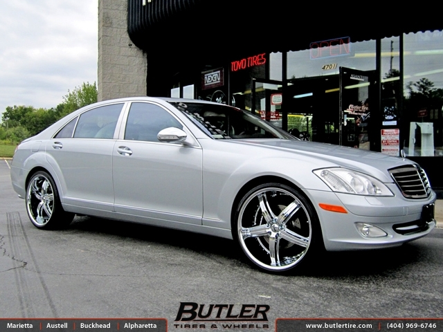 Mercedes S-Class with 22in Dub Bomber Wheels