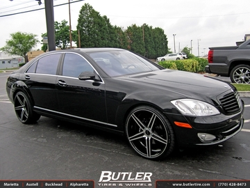 Mercedes S-Class with 22in Savini BM8 Wheels