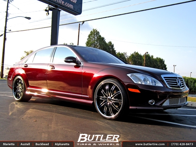 Mercedes S-Class with 22in Savini BS4 Wheels