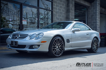 Mercedes SL-Class with 20in Savini BM13 Wheels