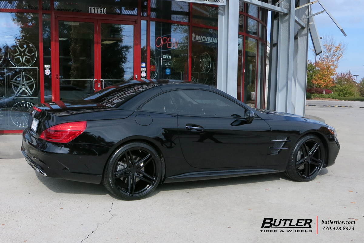 Mercedes SL-Class with 20in Vossen VFS5 Wheels
