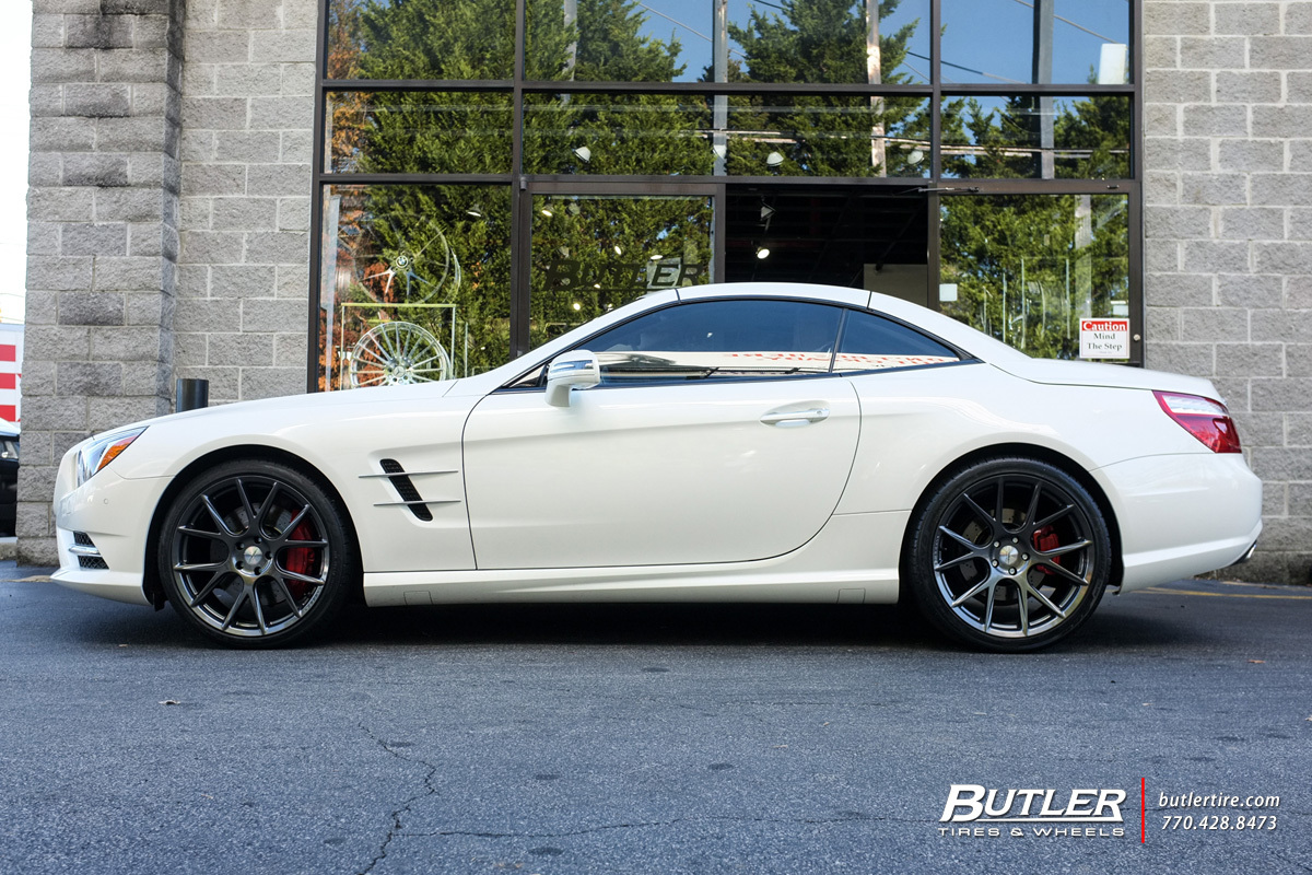 Mercedes SL-Class with 20in Vossen VFS6 Wheels