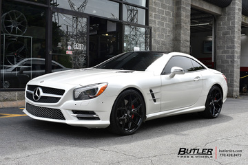 Mercedes SL-Class with 21in Vossen HF-5 Wheels
