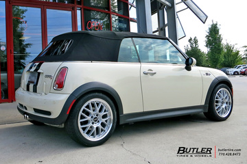 Mini Cooper with 17in ASA AR-1 Wheels