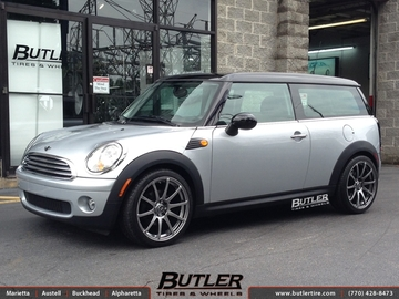 Mini Cooper with 18in Motegi MR10 Wheels