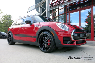 Mini Cooper JCW with 19in Savini SV-F 1 Wheels