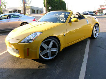 Nissan 350Z with 19in Axis GT-R Wheels