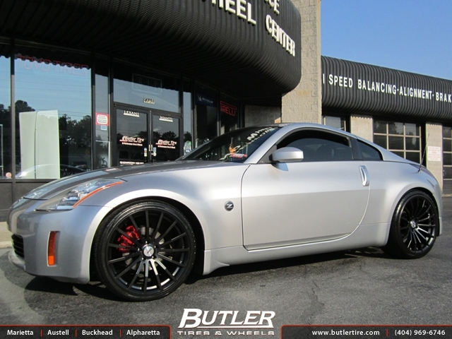 Nissan 350Z with 20in TSW Mallory Wheels