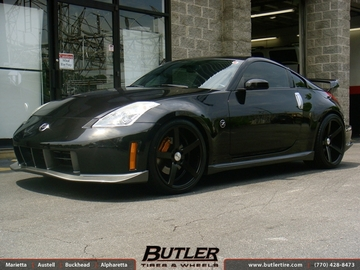 Nissan 350Z with 20in Vossen CV3 Wheels