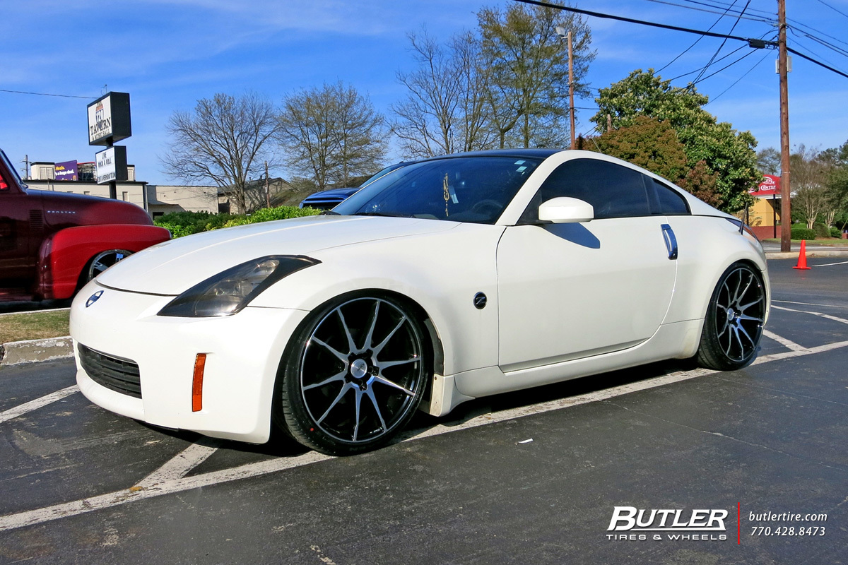Nissan 350z with 20in Savini BM12 Wheels