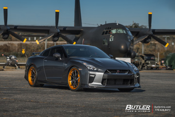 Nissan GTR with 21in Savini BM14-L Wheels