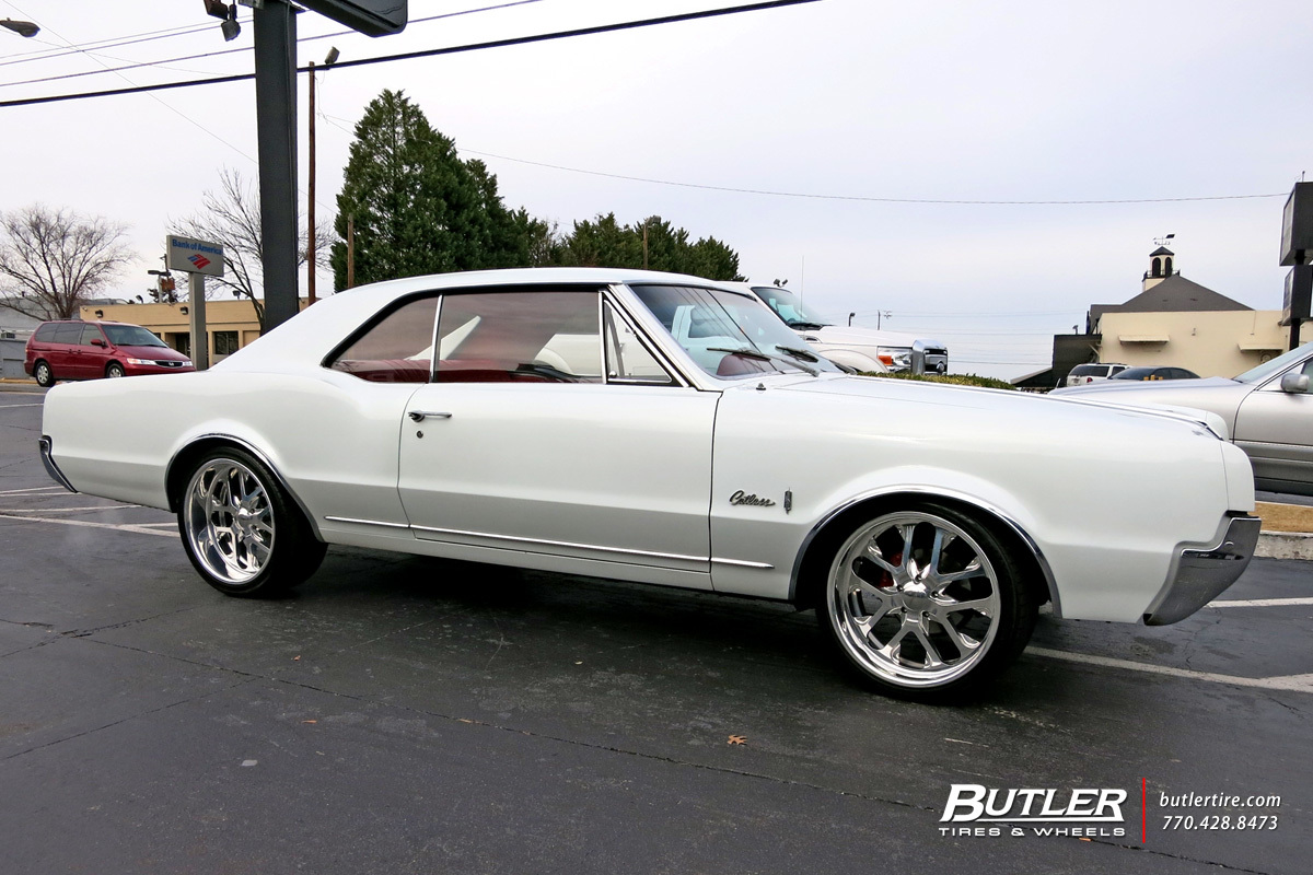 Oldsmobile Cutlass with 20in Budnick Chicane Wheels