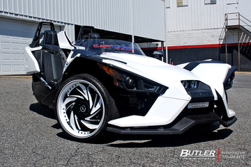 Polaris Slingshot with 22in Savini Diamond Carpi Wheels