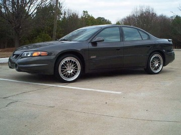 Pontiac Bonneville with 20in HRE 540 Wheels