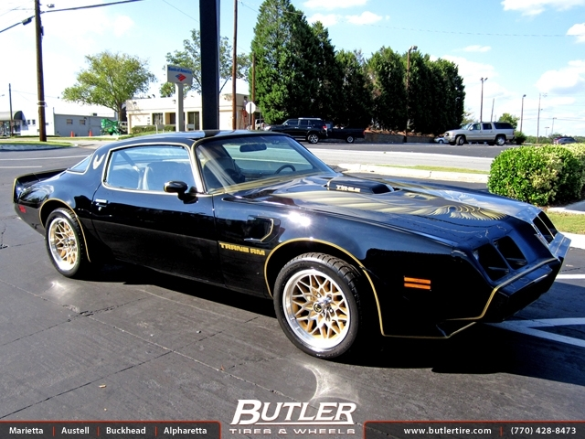 Pontiac Trans Am with 17in Bandit Wheels