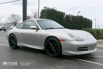 Porsche 911 with 19in Victor Zuffen Wheels