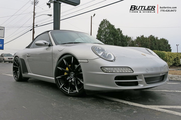 Porsche 911 with 20in Lexani CSS15 Wheels