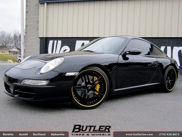Porsche 911 with 20in Savini SV23c Wheels