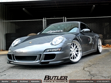 Porsche 911 with 20in Strasse SM8 Wheels