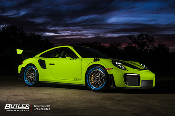 Porsche 911 GT2RS with 21in HRE Classic 300 Wheels