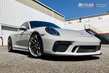 Porsche 911 GT3 with 21in HRE P200 Wheels