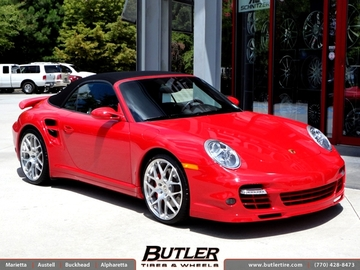 Porsche 911 Turbo with 20in HRE P40 Wheels