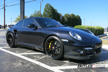 Porsche 911 Turbo with 20in Rohana RF2 Wheels
