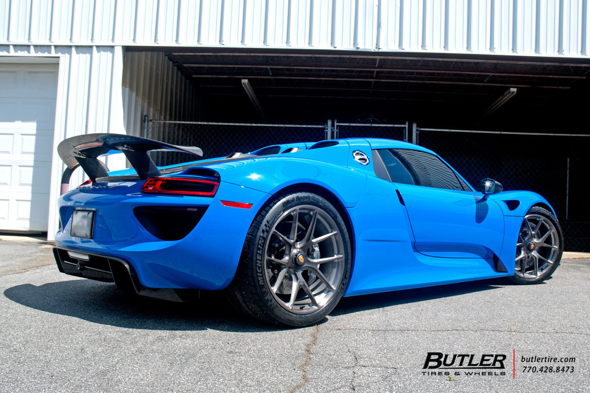 Porsche 918 Spyder with 20in HRE P101 Wheels