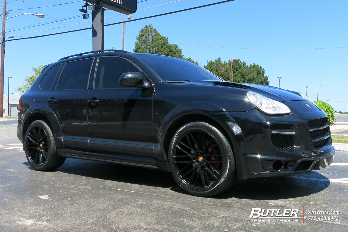Porsche Cayenne with 22in Savini BM13 Wheels